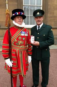 Running PAramedic Receives Queens Honour