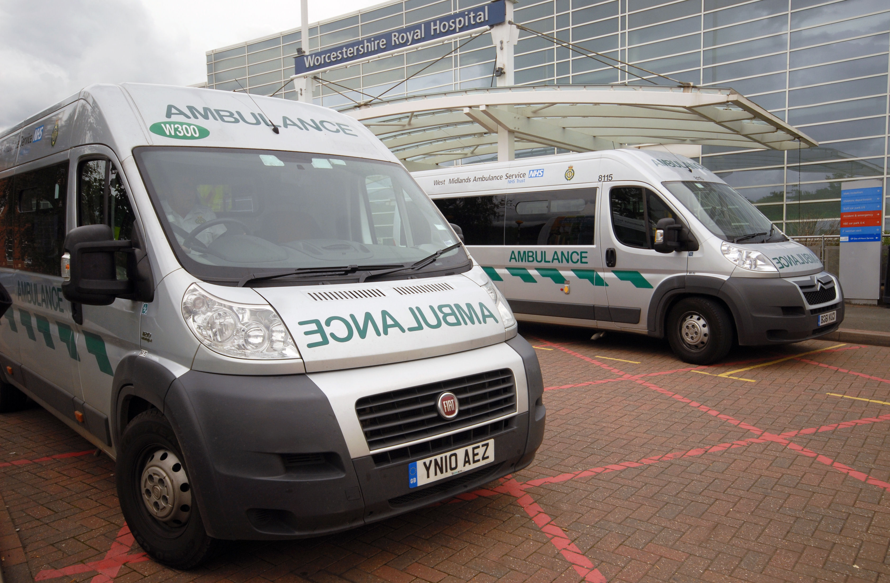 Do you want to be an ambulance service apprentice? – West