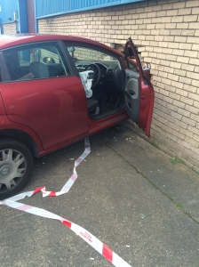 Car through wall (25-09-15) 1