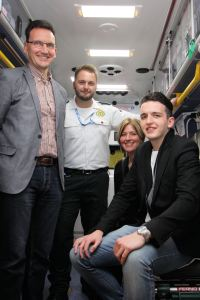 Car Crash Survivor Meets Paramedic Who Helped Save His Life 3