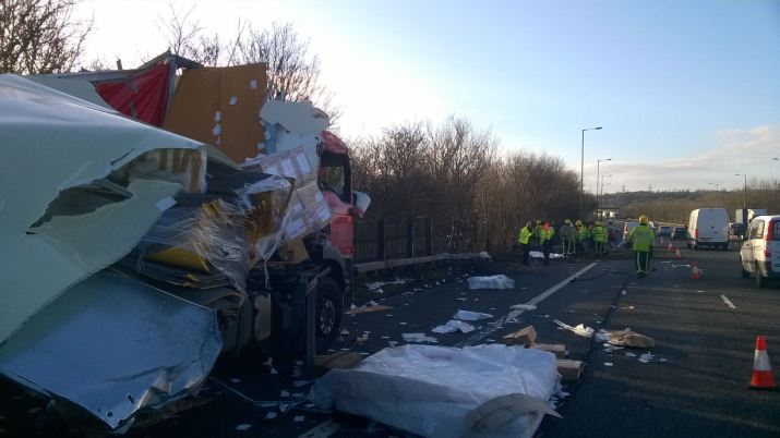 M6 lorries 2 Dec 23 2015
