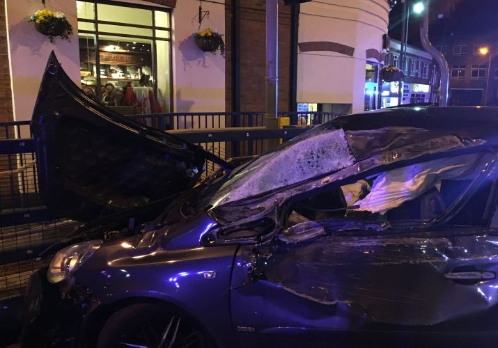 METAL RAILINGS SAVE CAR FROM HITTING PUB IN STOURBRIDGE