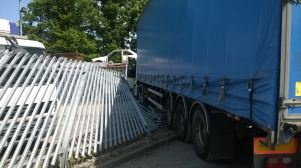 LORRY DRIVER SUFFERS SEROUS LEG INJURIES IN STOKE ON TRENT 1