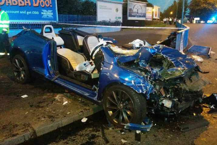 two-air-ambulances-attend-serious-rtc-in-wolverhampton-pic-from-willengall-fire