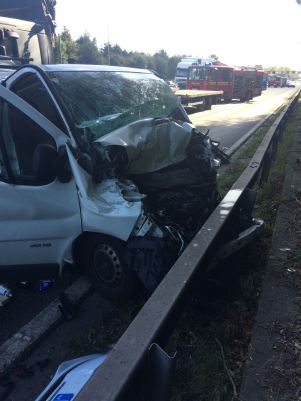 four-to-hospital-after-multiple-vehicle-rtc-on-m42-1