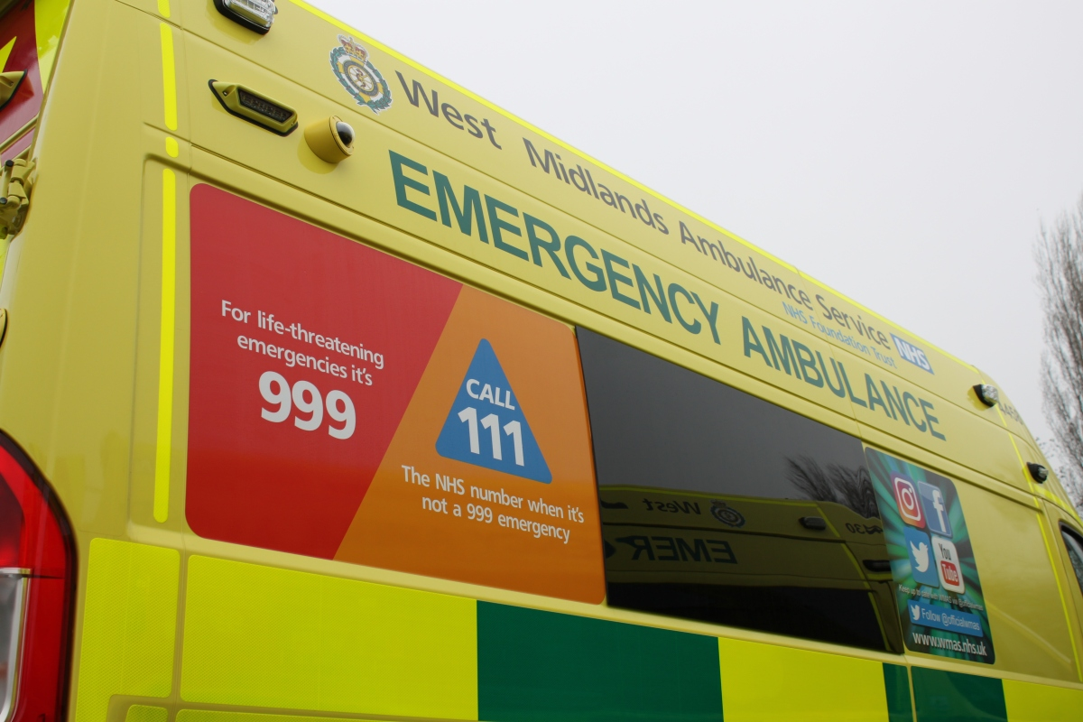 Should I Ring 999 Or 111 West Midlands Ambulance Service University Nhs Foundation Trust Hi sorry for the time, im not getting notificattion from github. should i ring 999 or 111 west