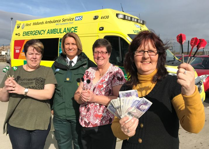 LICHFIELD DARTS LEAGUE DONATE MONEY TO AMBULANCE HUB IN MEMORY OF PLAYER